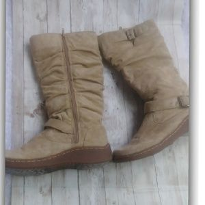 Jazzberry womans boots color camel size 8M